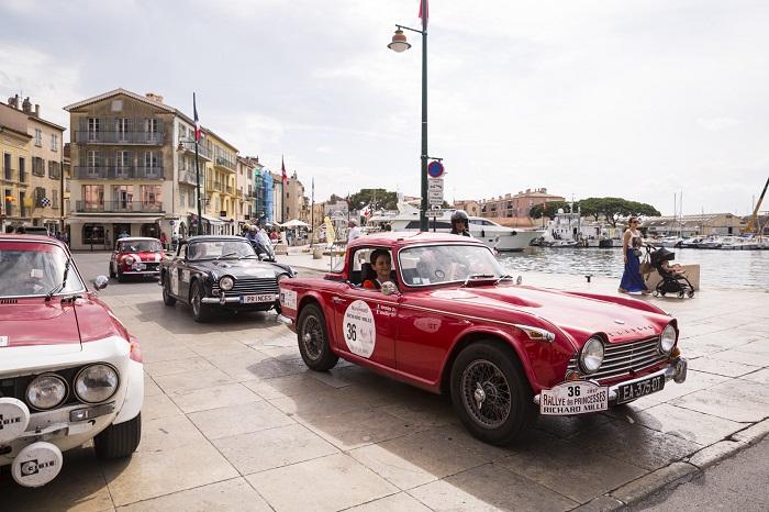 Rallye des Princesses arrivée Place des Lices