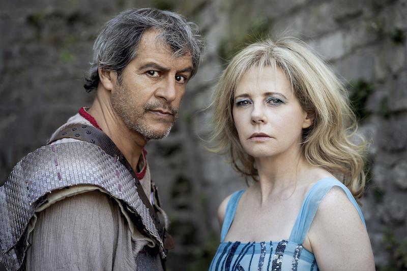 Le Roi Arthur - Arthur (Jean-Philippe Bêche) et Morgane (Marie-Helene Viau)