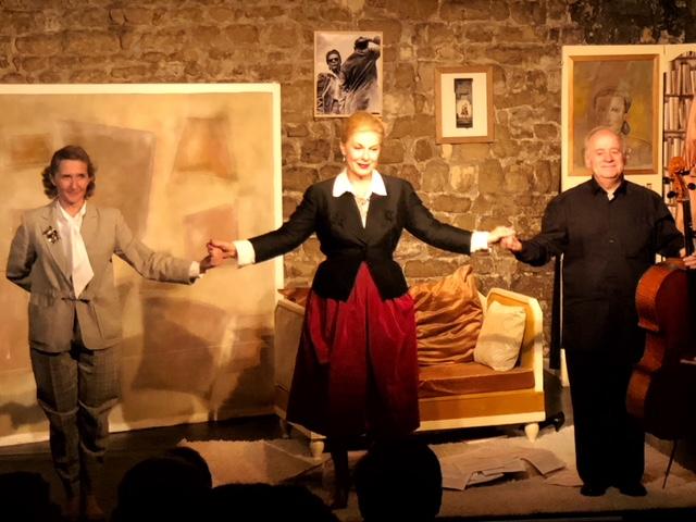 Clap de fin au Théâtre de Nesle : Brigitte Damiens nous offre une interprétation magistrale!