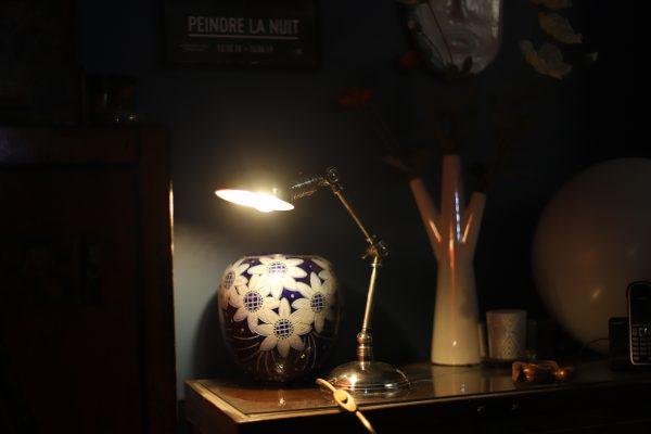 Lampe orientable produit intérieur brut _Zenitude Profonde Le Mag