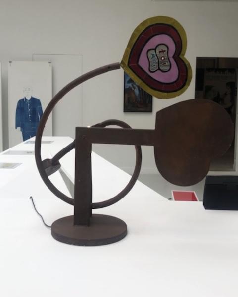 Lampe coeur élaborée par Philippe Bouveret et Niki de Saint Phalle - TWENTY five ELEMENTS - ©Zenitudeprofondelemag.com