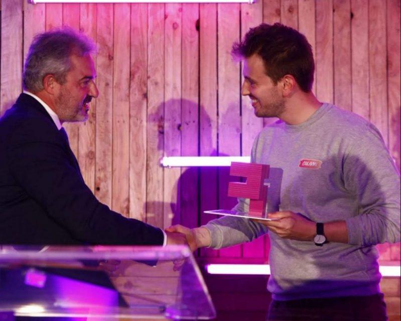 Prix du Jury remis à COLIVME par Charles Huot, président de Cap Digital.
