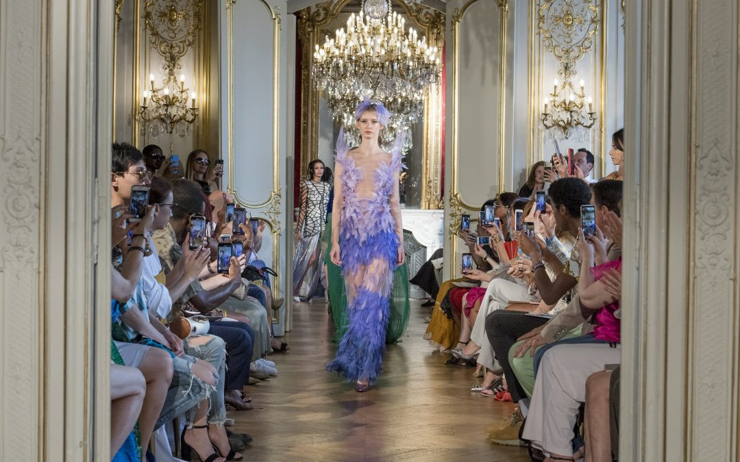 PARIS FASHION WEEK 2019 ARMINE OHANYAN ÉBLOUIT LE PUBLIC