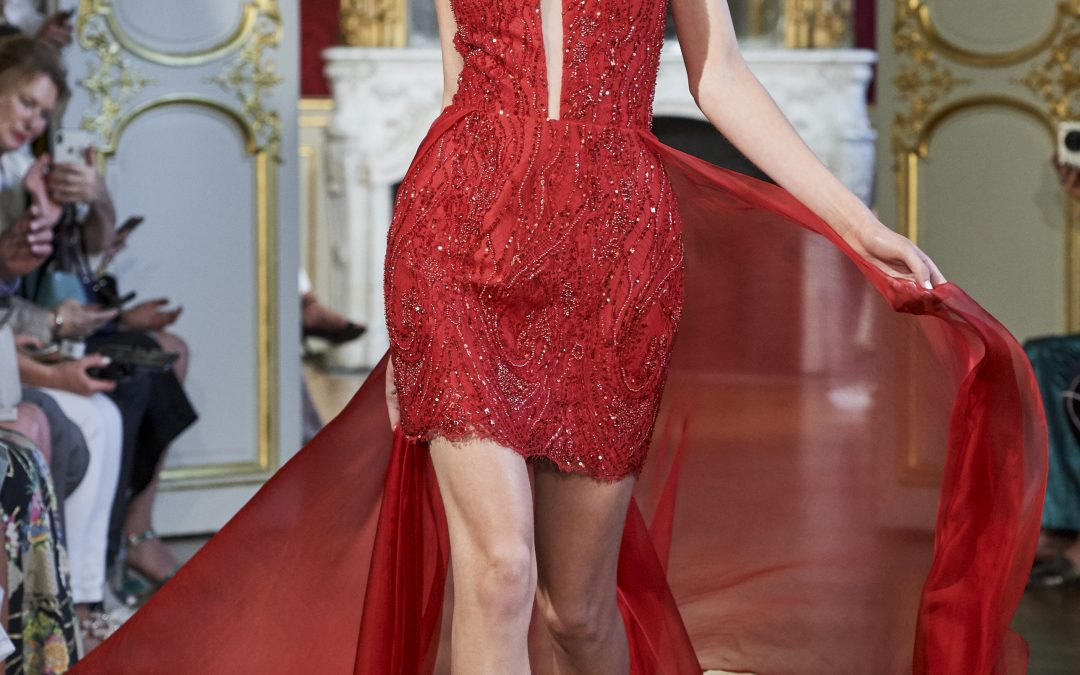 PARIS FASHION SHOW : LA MÉTAMORPHOSE – ROUGE AMOUR