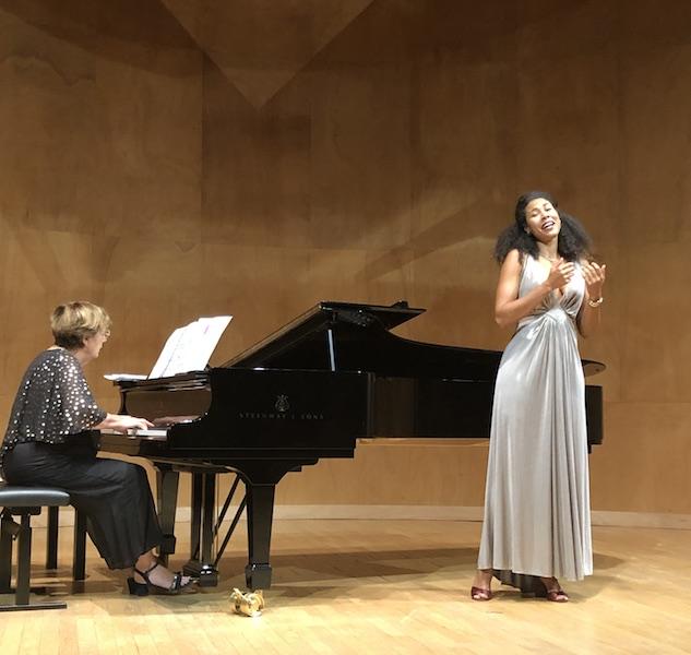 Julie-Anne Moutongo-Black, Mezzo-Soprano (Cameroun)