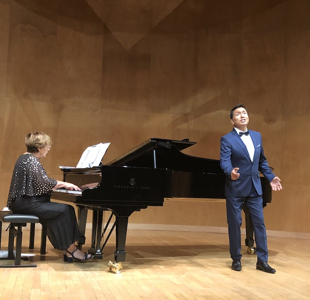 Rodolfo Cavero, Ténor (Pérou) accompagné par la pianiste française Françoise Menghini