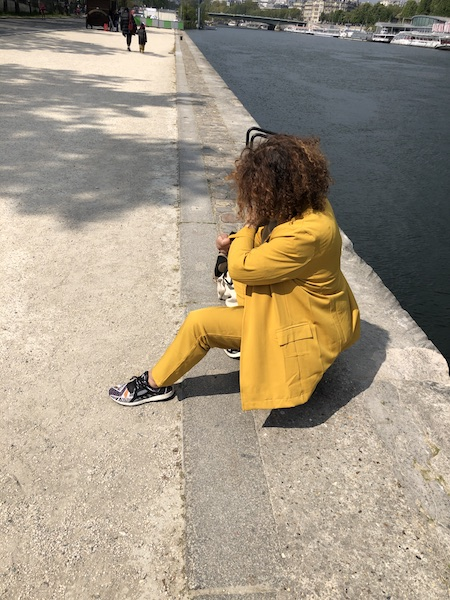 tailleur jaune safran bleu bonheur-zenitudeprofondelemag.com