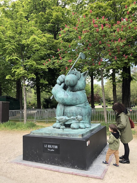 LE CHAT de Geluck sur les Champs Élysées, 2021  Photo zenitudeprofondelemag.com